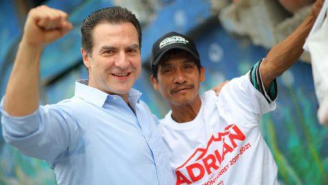 Integrará Adrián Becas al Programa Transformando Monterrey