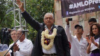 Lanza AMLO decálogo por la educación; promete cancelar reforma