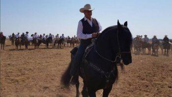 Familia de 'El Bronco' pide votar por él