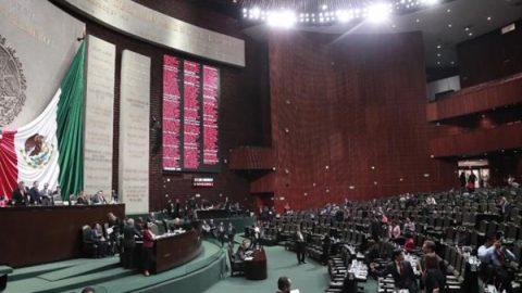 Legisladores gastaron en seguros 452 mdp