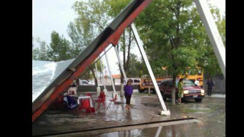Granizada deja cinco lesionados durante festival de 10 de mayo en NL