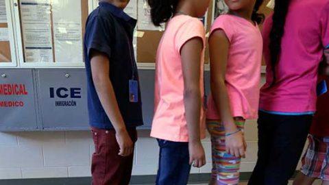 EU alista 'ciudad de carpas' para niños migrantes