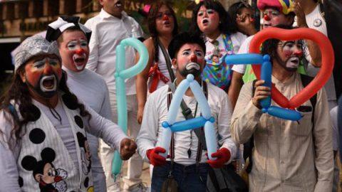 Payasos exigen fin de la violencia en Acapulco