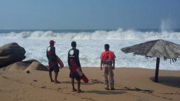 Protección Civil emite alerta por mar de fondo en costas de Guerrero