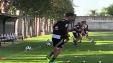Rafa Márquez entrena sin patrocinio en su playera