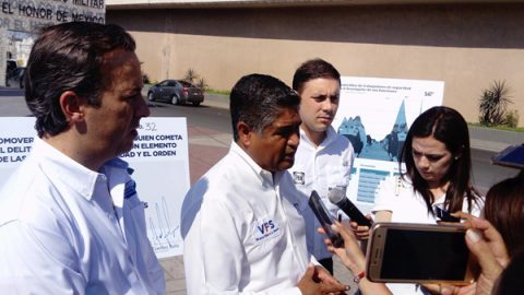 Víctor Fuentes promete cadena perpetua a asesinos de policías