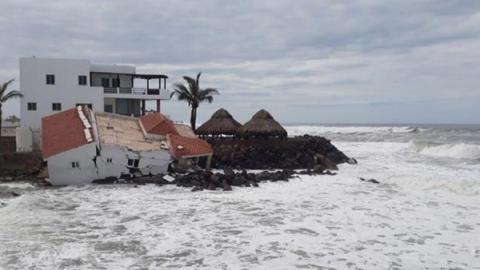 Reportan afectaciones leves por paso de 'Bud' en Sinaloa