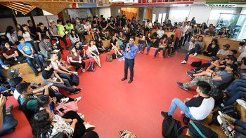 Presenta Felipe plan para apoyar a jóvenes