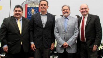 Celebra los 85 años de la UANL con el tenor Fernando de la Mora