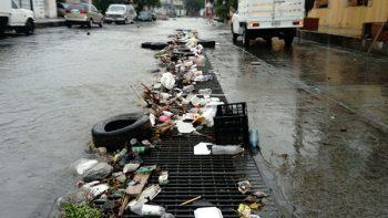 Atiende Monterrey 86 accidentes viales y miles de pluviales por lluvias