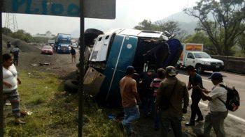 Accidente deja 20 heridos en la Puebla-Veracruz