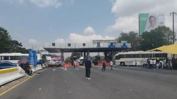 Bloquean acceso a autopista Peñón-Texcoco por nuevo aeropuerto