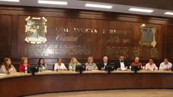 Aprueba Cabildo licencia de Jesús de la Garza y la regidora Karina Cisneros