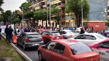 Damnificados del 19-S bloquean y desquician tránsito en CDMX
