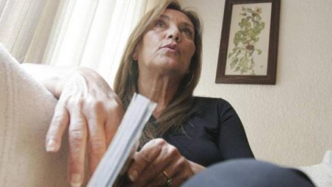 Claudia de Icaza responderá a Luis Miguel con reedición de libro