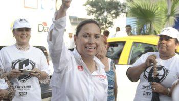 Revisa Cristina Díaz puntos de obras de su plan de infraestructura vial