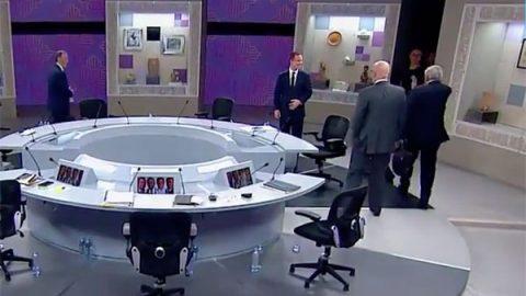 Fría y lejana despedida de AMLO con Anaya tras finalizar debate