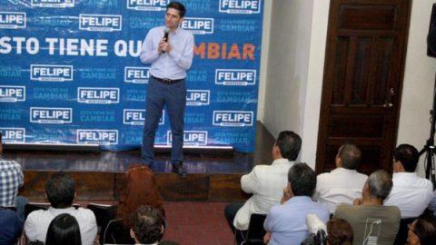 Toma protesta Felipe a defensores del voto