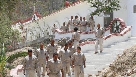 Capacita CNDH a personal de Islas Marías para atender a reos