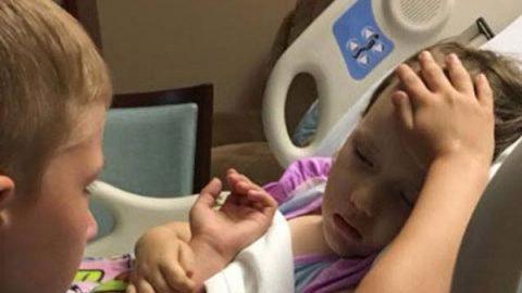 Niño se despide de su hermanita a punto de morir de cáncer