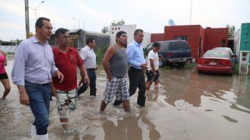 Alcalde realiza recorrido en el Fraccionamiento Las Palmas y Lucio Blanco