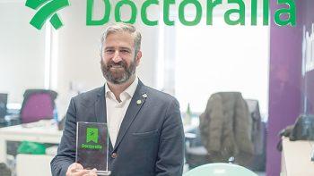 Doctores reciben reconocimiento