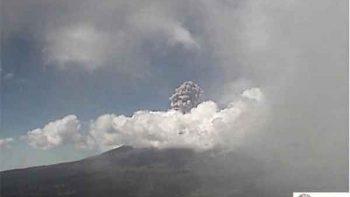 Volcán Popocatépetl registra explosión; continúa en Fase 2
