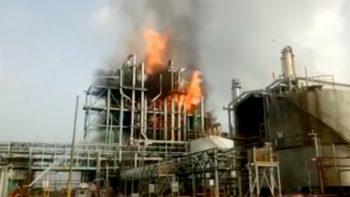 Se incendian instalaciones de Pemex en Altamira