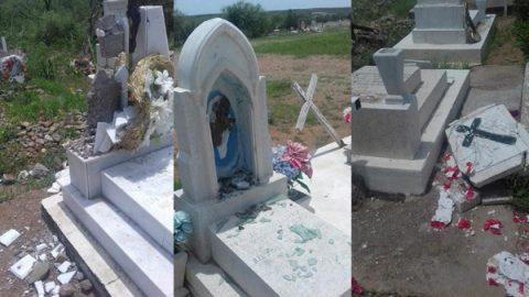 Vandalizan niños 61 tumbas en comunidad de Chihuahua