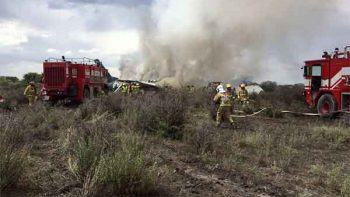 Viajaban 80 personas en avión accidentado, dice gobernador de Durango