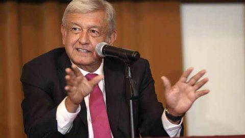 AMLO acusa al INE y a Hacienda de complot