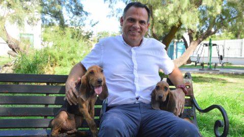 Adquiere alcalde de Apodaca perros para la búsqueda de personas