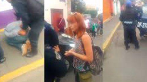 Golpean y entregan a asaltante de turista extranjera en Xochimilco
