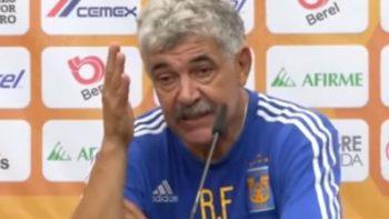 Ricardo Ferretti insulta a reportero durante conferencia