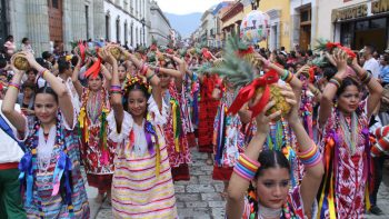 Inician fiestas de la Guelaguetza en Oaxaca