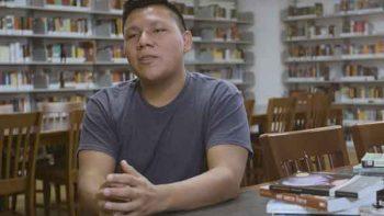 Hijo de migrantes mexicanos es aceptado en 18 universidades de EU