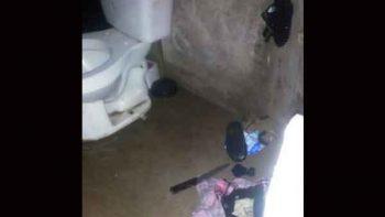Hombre toma como rehenes a sus hijos en baño de su casa en Sonora