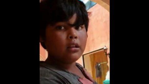 Jair pide dinero para llevar de comer a sus hermanitas (VIDEO)