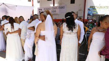 Unen en matrimonio a 28 parejas dentro del Penal del Topo Chico