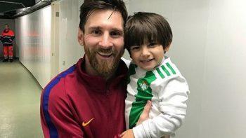 Hijo de Andrés Guardado deja ver que su ídolo no es su padre… sino Messi
