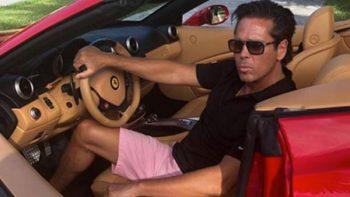 Roberto Palazuelos presume auto que le 'regaló' Luis Miguel