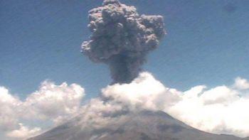 Registran caída de ceniza en Edomex por actividad del Popocatépetl