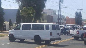 Reportan tiroteo y presunta toma de rehenes en Tijuana