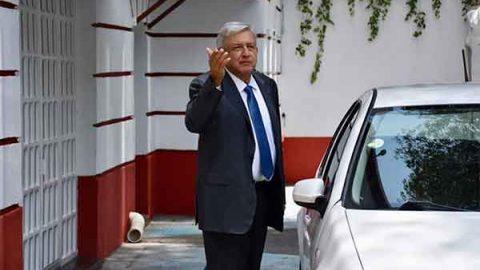 'Ejecutivo no buscará someter a los otros poderes', afirma AMLO