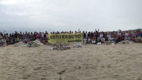 Greenpeace lanza mensaje a corporaciones que contaminan los océanos