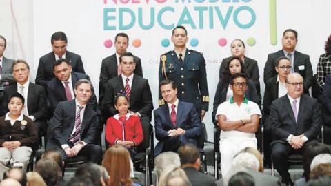 Dan al SNTE 3 mil 130 mdp para promover reforma educativa
