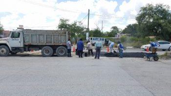 Repara cuadrilla avenida Las Torres