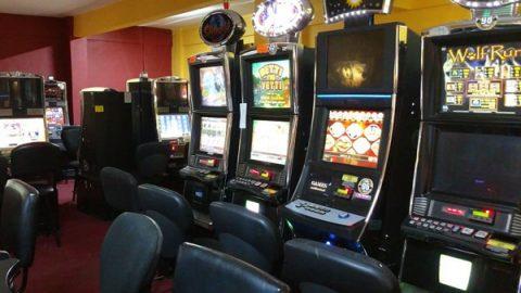 Aseguran 169 máquinas en casino clandestino de Puerto Peñasco, Sonora