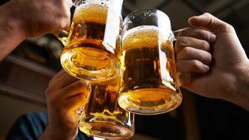 Tunden en redes idea de Morena sobre cerveza 'al tiempo'