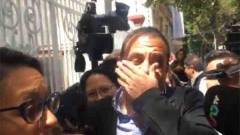Cuauhtémoc Blanco recibe golpe accidental en visita a López Obrador
